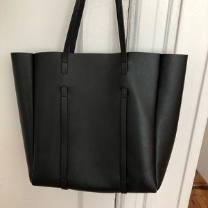 7d00191fc3 Balenciaga Bags - BALENCIAGA Everyday Small Leather Logo Tote Bag